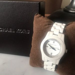 Michael Kors Runway White ceramic watch
